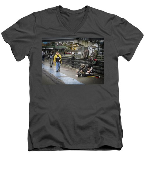 Walking-travellers Men's V-Neck T-Shirt