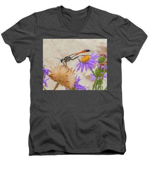 Wasp At White Sands Men's V-Neck T-Shirt