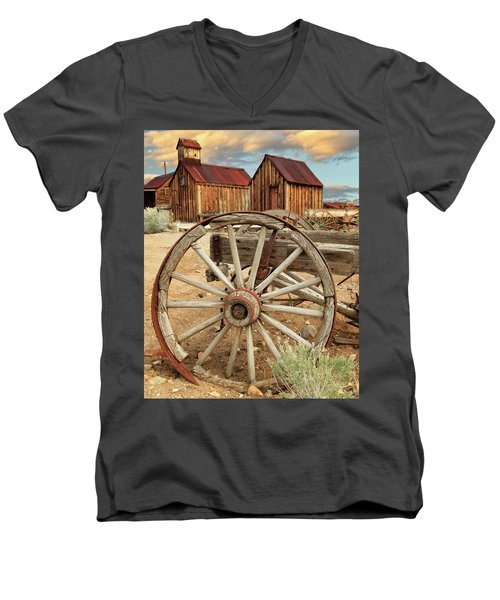 Wheels And Spokes In Color Men's V-Neck T-Shirt