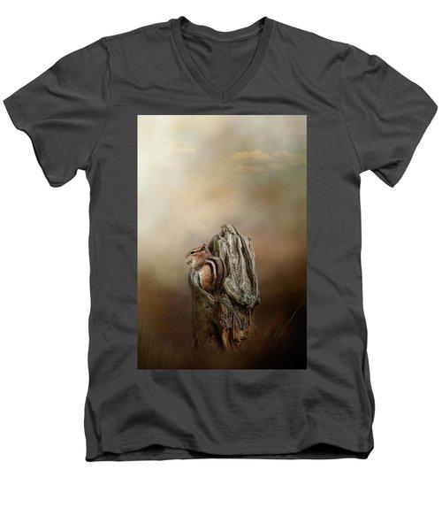 Woodland Visitor Men's V-Neck T-Shirt