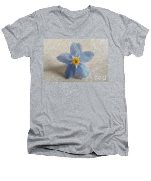Myosotis 'forget-me-not'- Single Flower Men's V-Neck T-Shirt