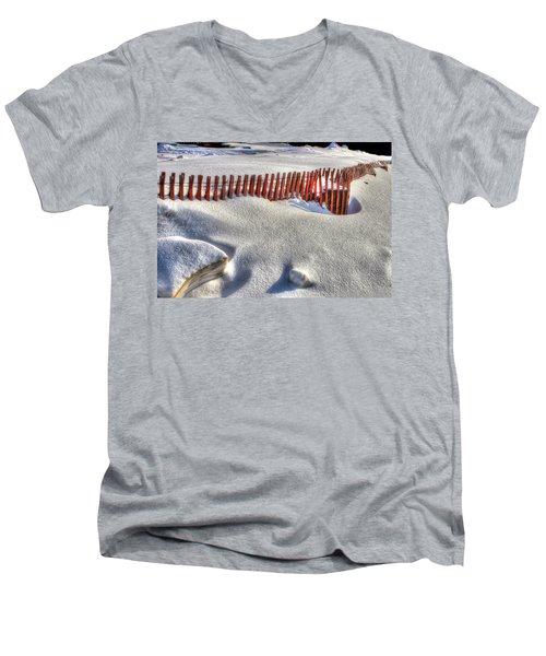 Fence Sculpture Men's V-Neck T-Shirt