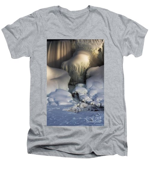 Niagara Falls Frozen Men's V-Neck T-Shirt