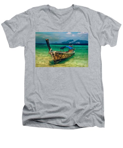 Asian Longboat Men's V-Neck T-Shirt