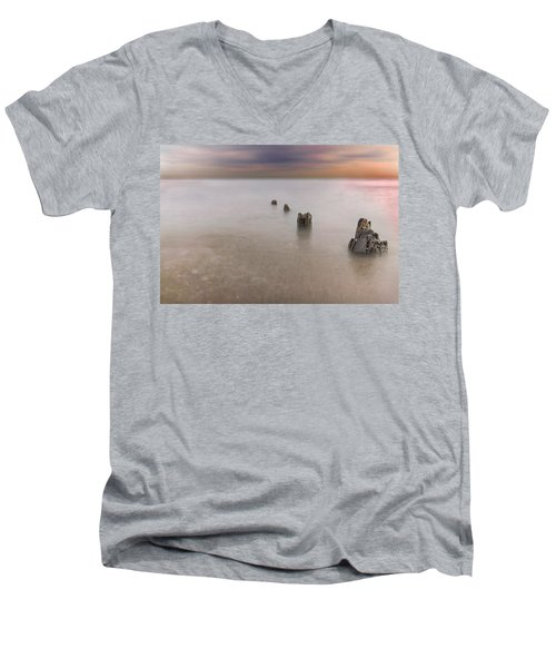 Breakwater Men's V-Neck T-Shirt
