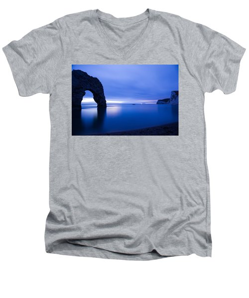 Durdle Door At Dusk Men's V-Neck T-Shirt