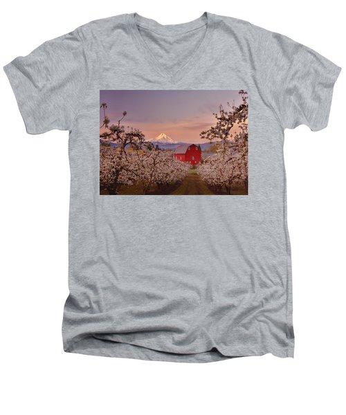 Hood River Sunrise Men's V-Neck T-Shirt