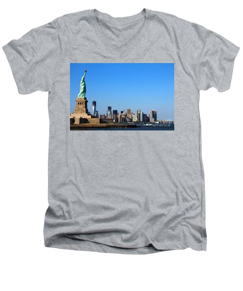 Lady Liberty Watches 1wtc Rise Men's V-Neck T-Shirt