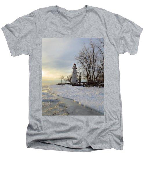 Marblehead Lighthouse Winter Sunrise Men's V-Neck T-Shirt