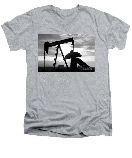 Oil Well Pump Jack Black And White Men's V-Neck T-Shirt