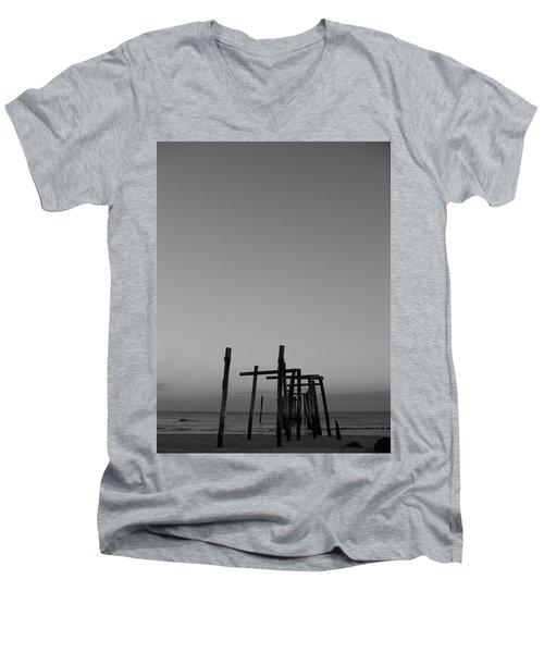 Pier Portrait Men's V-Neck T-Shirt