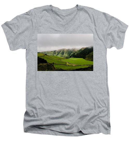 Road Over Valley Men's V-Neck T-Shirt