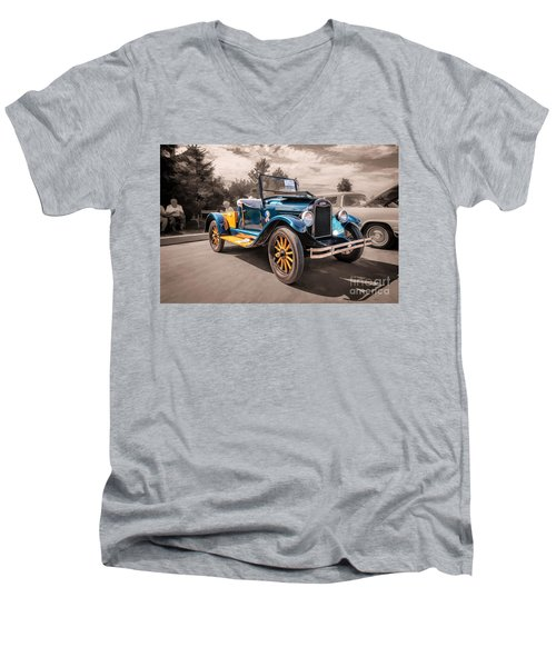 1925 Chevrolet Pickup Men's V-Neck T-Shirt