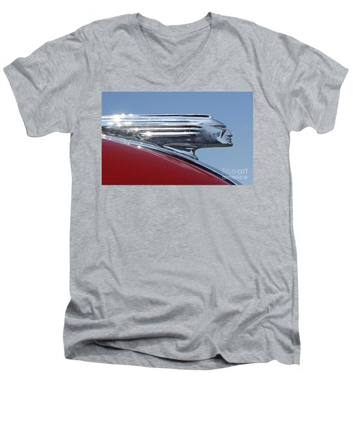1939 Pontiac Hood Ornament Men's V-Neck T-Shirt