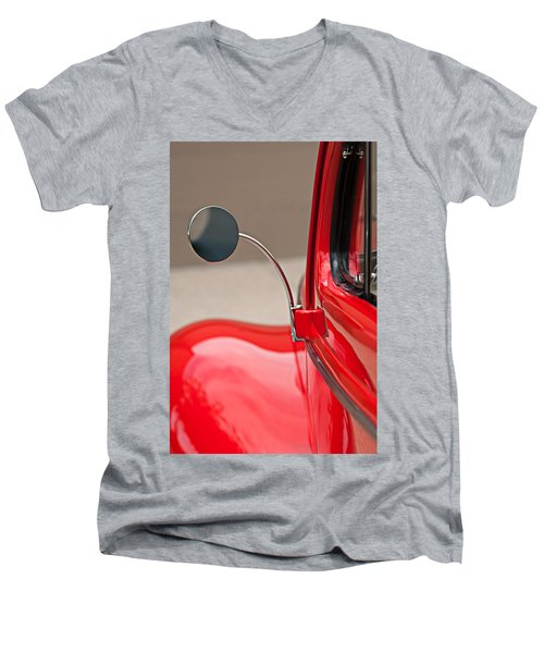1940 Ford Deluxe Coupe Rear View Mirror Men's V-Neck T-Shirt