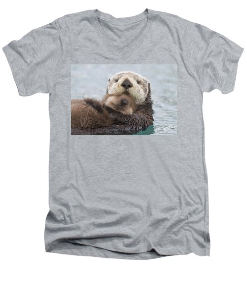 Female Sea Otter Holding Newborn Pup Men's V-Neck T-Shirt