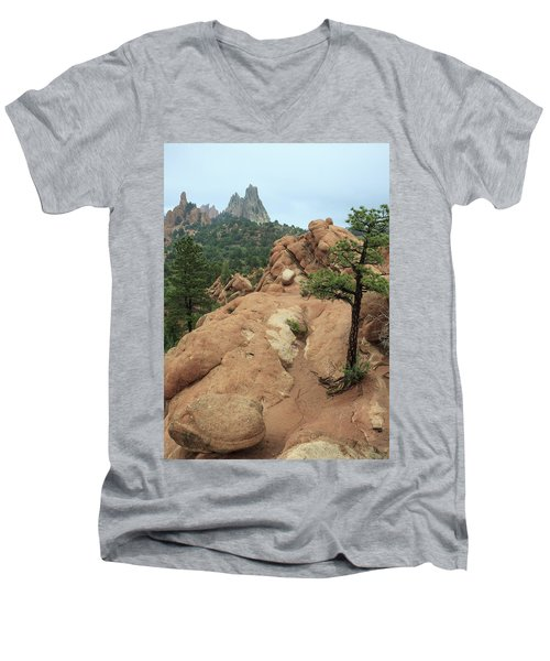 Garden Of The Gods At Daybreak Men's V-Neck T-Shirt