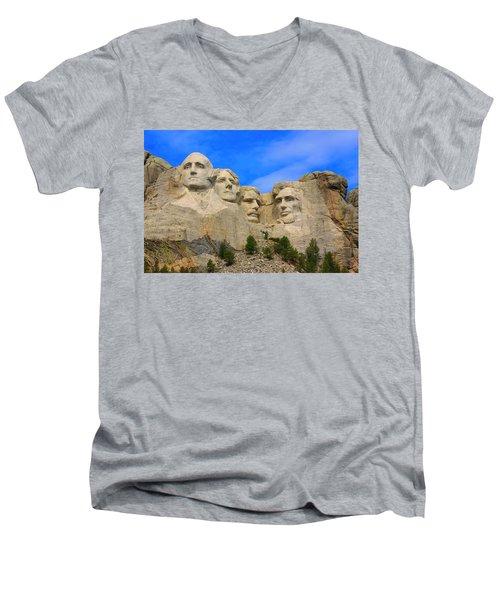Mount Rushmore South Dakota Men's V-Neck T-Shirt
