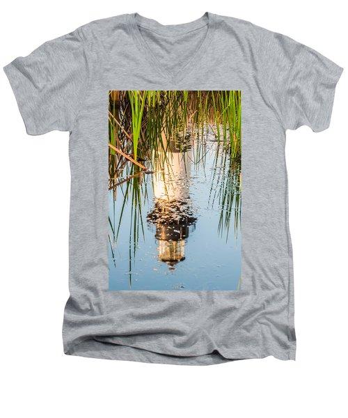 Bodie Island Lighthouse Obx Cape Hatteras North Carolina Men's V-Neck T-Shirt