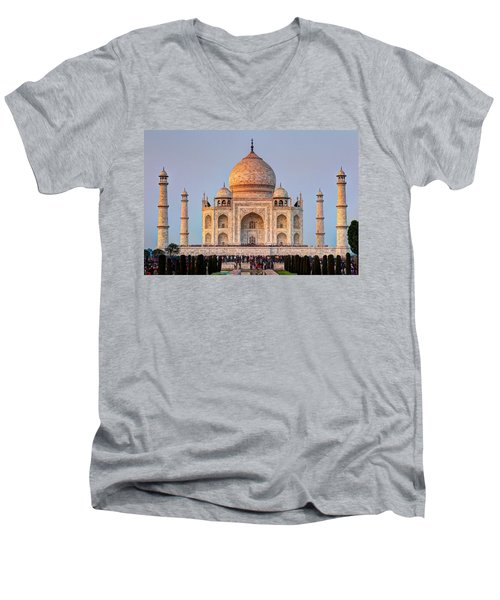 Taj Mahal Men's V-Neck T-Shirt