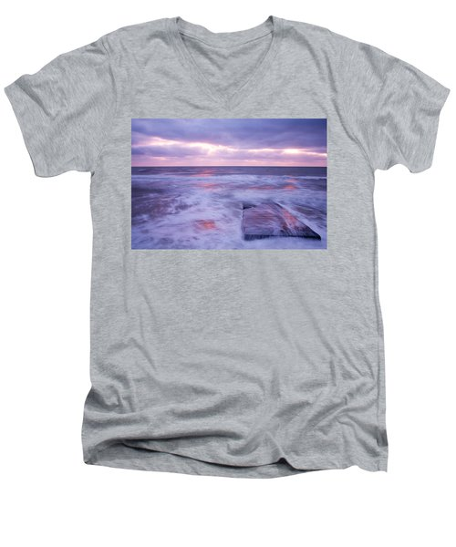 Ballyconnigar Strand At Dawn Men's V-Neck T-Shirt