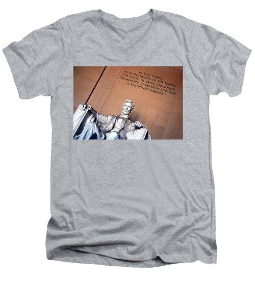 Lincoln Memorial Men's V-Neck T-Shirt
