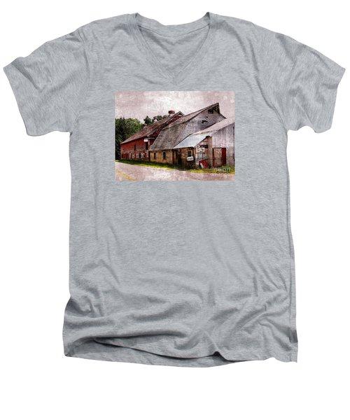 A Barn With Many Purposes Men's V-Neck T-Shirt