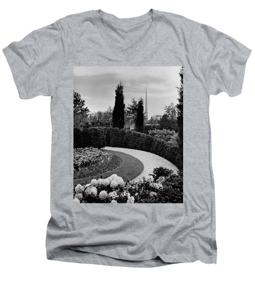 A Bobbink & Atkins Garden Men's V-Neck T-Shirt