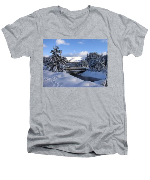 A Bridge In The Snow Men's V-Neck T-Shirt