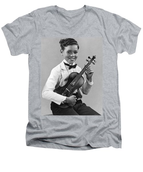 A Proud And Elegant Violinist Men's V-Neck T-Shirt