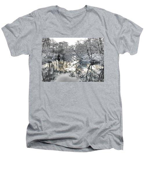 A Winter Scene Men's V-Neck T-Shirt