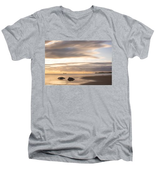 Aberdeen Beach At Dawn Men's V-Neck T-Shirt