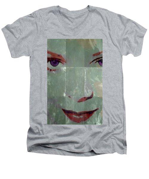 Alice In Green Men's V-Neck T-Shirt