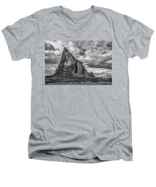 All Aboard Bw Men's V-Neck T-Shirt