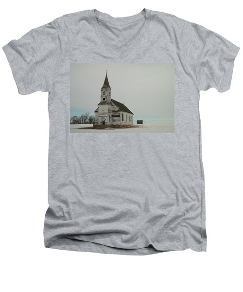 Amazing Grace In North Dakota Men's V-Neck T-Shirt
