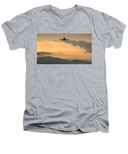 American Airlines Approach Men's V-Neck T-Shirt