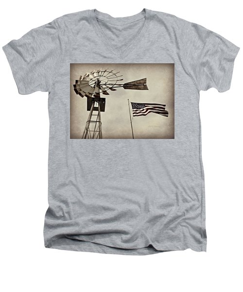 Americana Men's V-Neck T-Shirt