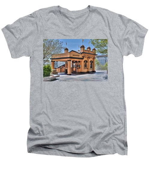 Angels Flight Landmark Funicular Railway Bunker Hill Men's V-Neck T-Shirt