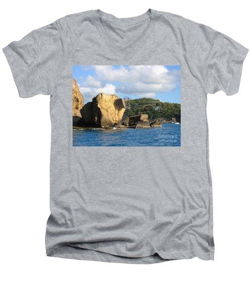 Antigua - Aliens Men's V-Neck T-Shirt