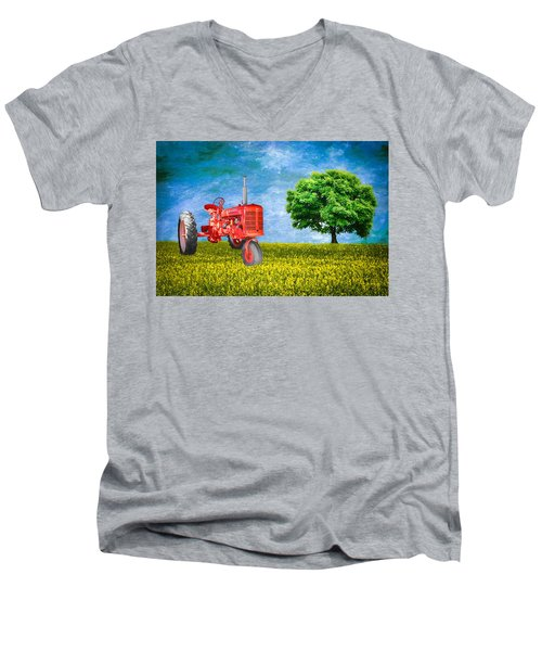 Antique Farmall Tractor Men's V-Neck T-Shirt