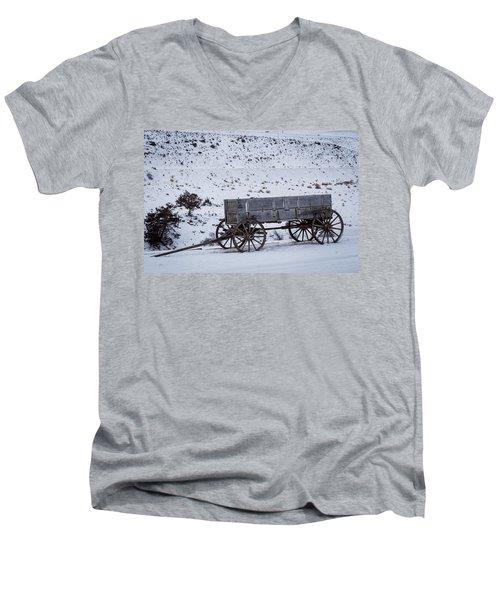 Antique Wagon Men's V-Neck T-Shirt