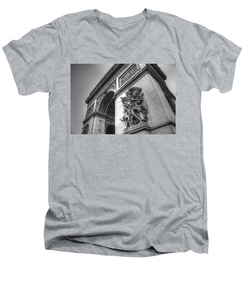 Arc De Triomphe In Black And White Men's V-Neck T-Shirt
