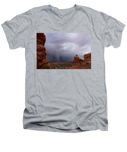 Arches National Monument Moab Men's V-Neck T-Shirt