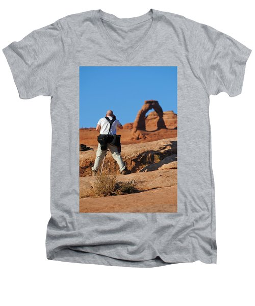 Arches Np 27 Men's V-Neck T-Shirt