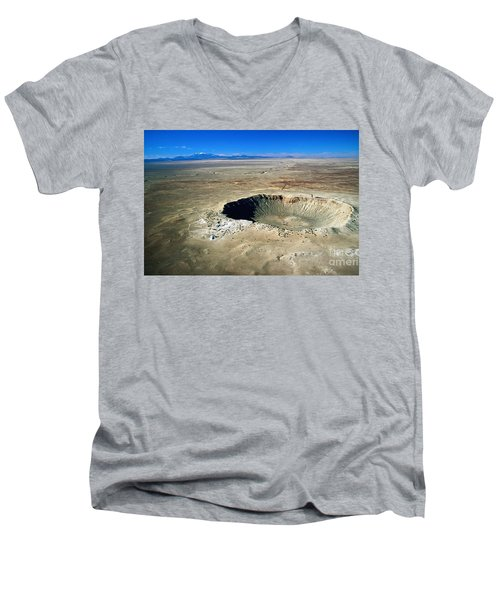Arizona Meteor Crater Men's V-Neck T-Shirt