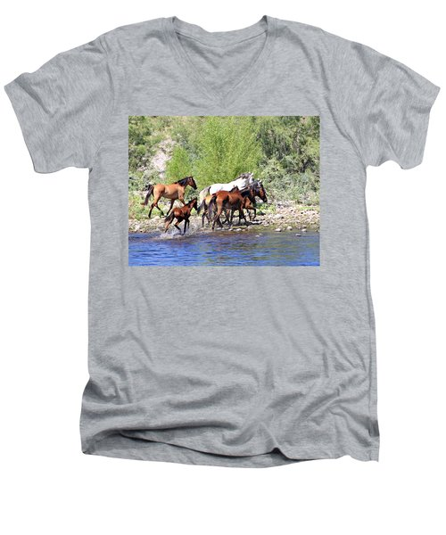 Arizona Wild Horse Family Men's V-Neck T-Shirt