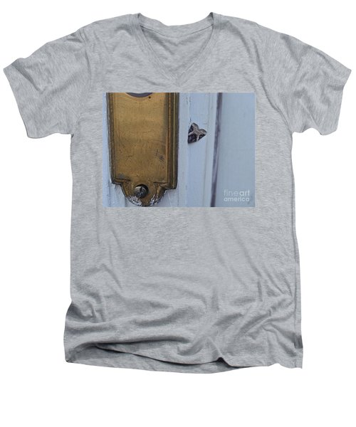 Arrowhead Doorbell Moth Men's V-Neck T-Shirt
