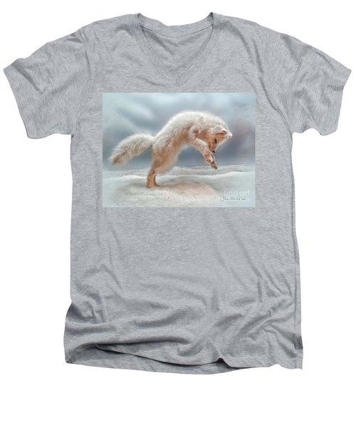 Artic White Wolf Men's V-Neck T-Shirt