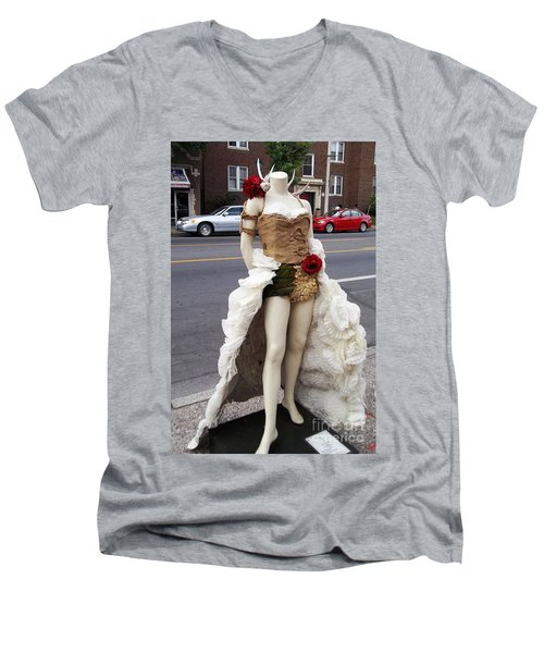 Men's V-Neck T-Shirt featuring the photograph Artwork In The Loop by Kelly Awad