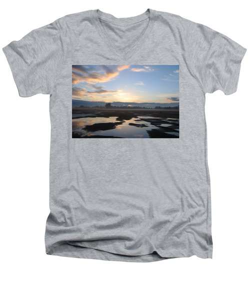 Bakersfield Sunrise Men's V-Neck T-Shirt